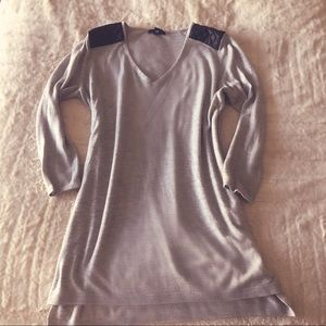 Long grey sweater with leather shoulders